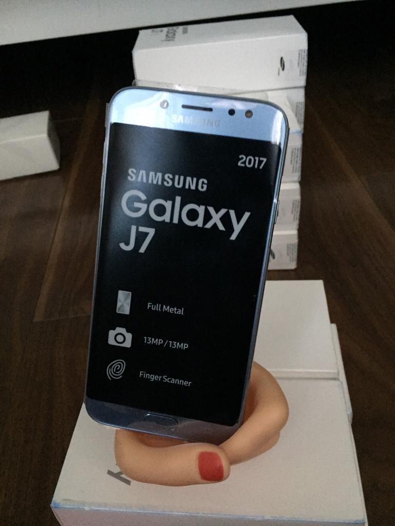 Come scattare le foto senza toccare lo schermo su Samsung Galaxy J7 2017
