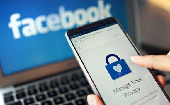 Come inviare un messaggio a più utenti su Facebook